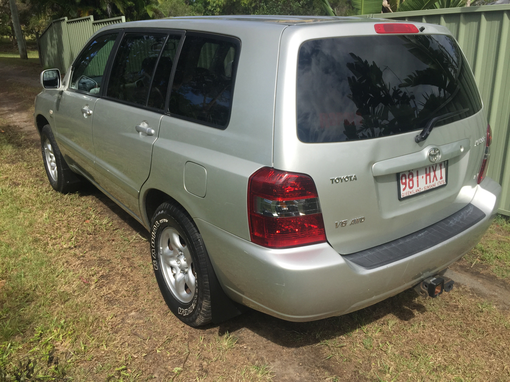 2003 toyota kluger 4 4 7 seater suv wagon used vehicle sales. Black Bedroom Furniture Sets. Home Design Ideas